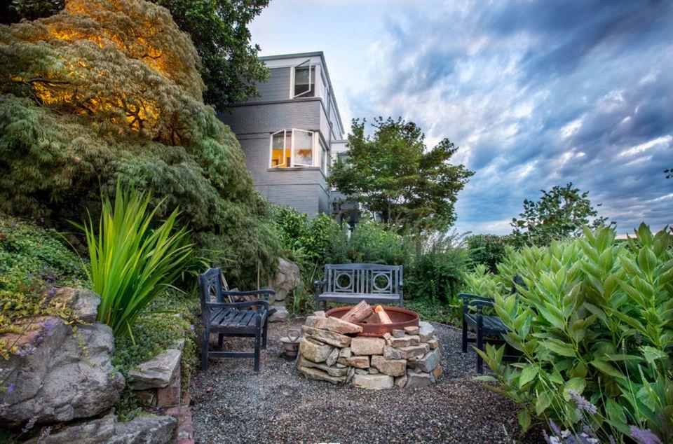 backyard stone fire pit