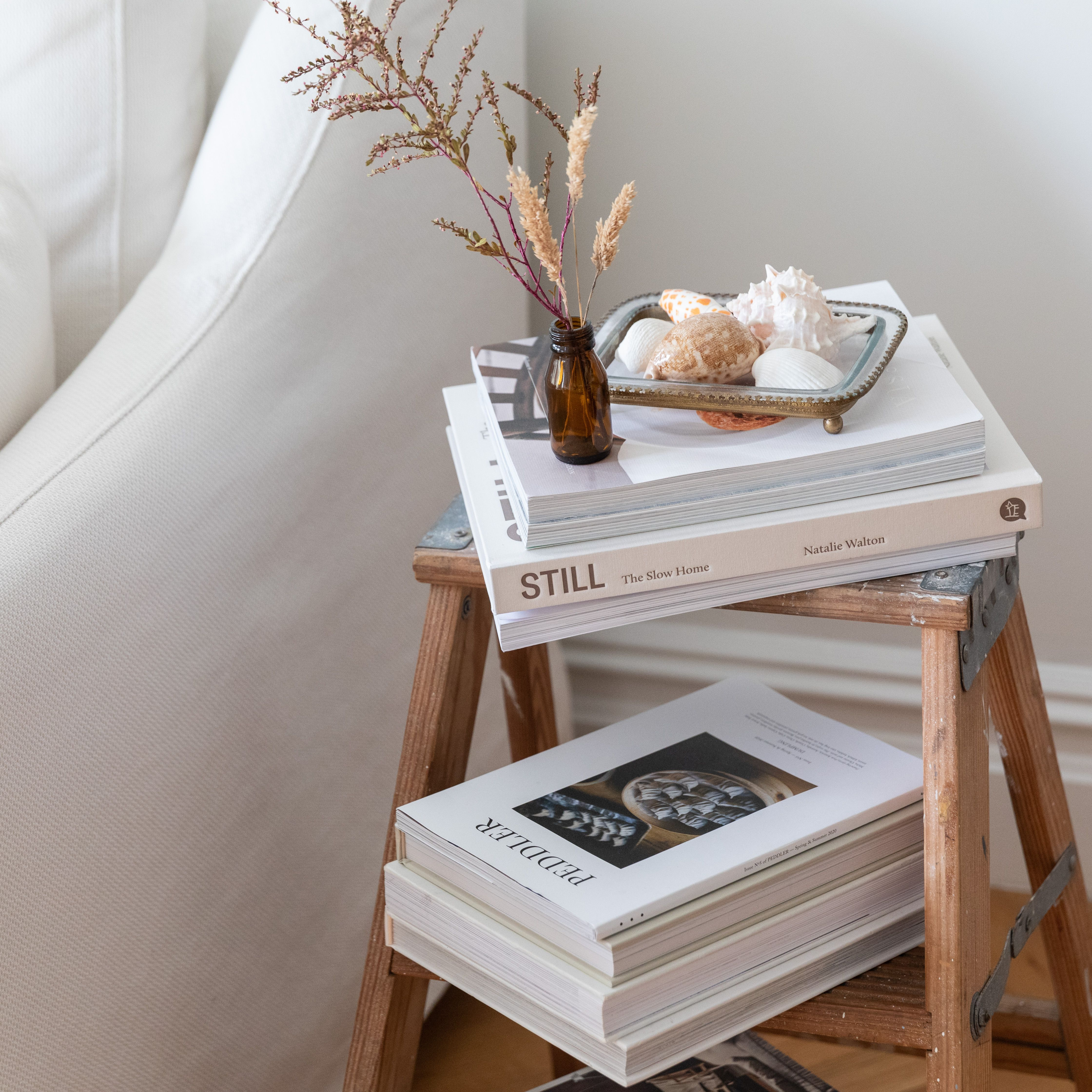 11 Ways To Decorate With Vintage Ladders