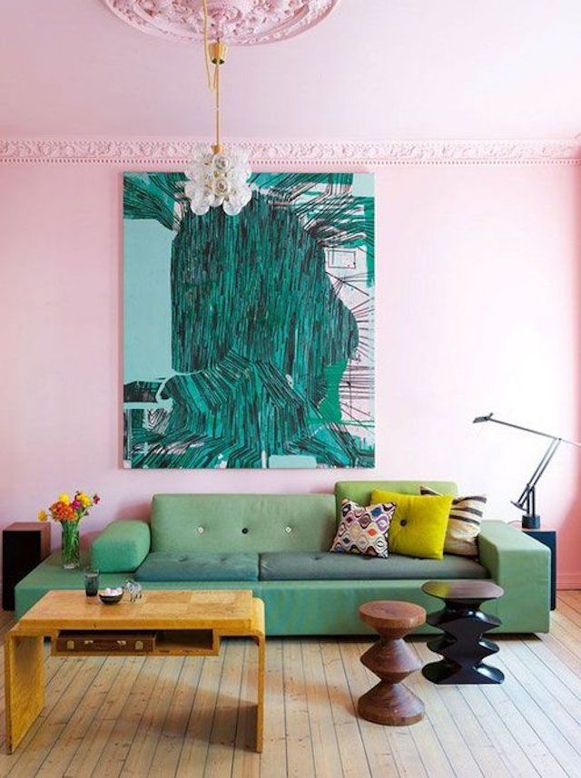 Large pink room with green image