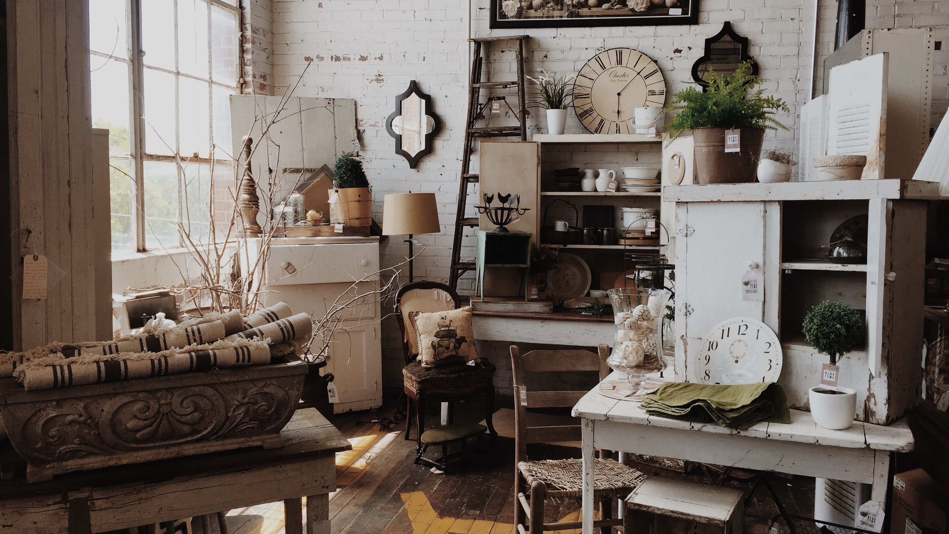yard sale style 7 things to shop for to decorate on the.htm 10 truths about vintage decorating  10 truths about vintage decorating