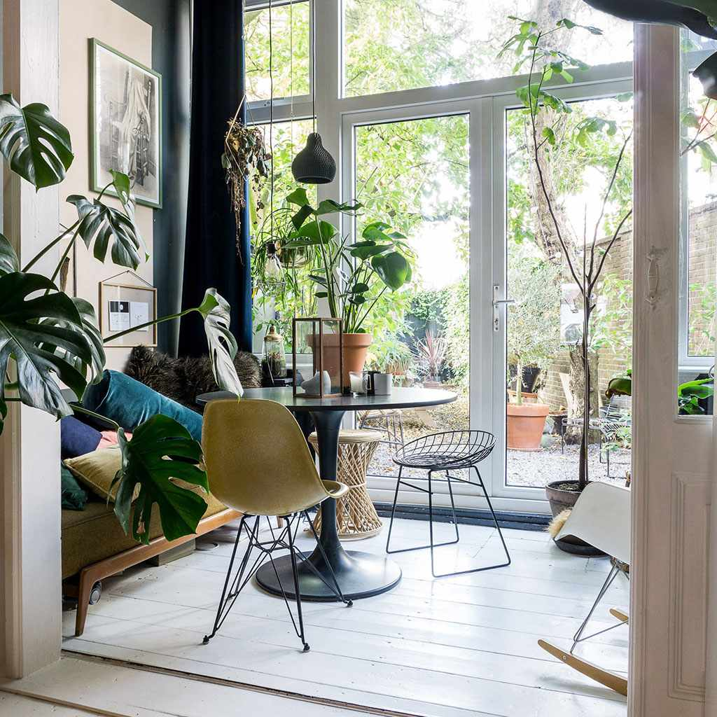 Sunroom with lots of plants
