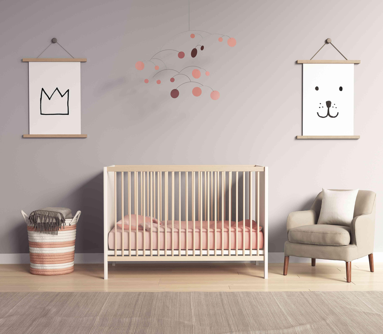 Habitación infantil moderna con salmón rojo y greyaccents