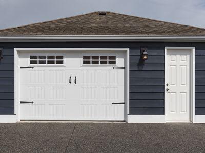 7 Reasons To Replace Your Garage Door Opener