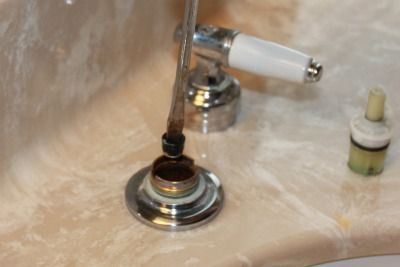Removing the seat and spring of Delta faucet