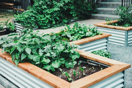 15 Raised Bed Garden Design Ideas, How To Make A Raised Herb Garden