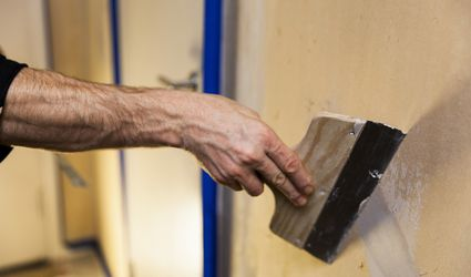 Repairing a Crack in a Plaster Wall