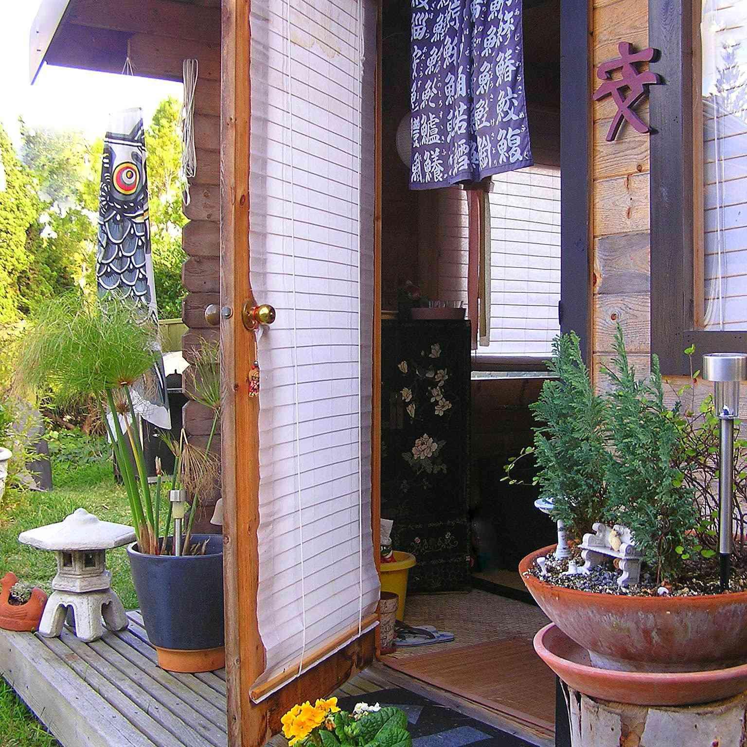 Tea house shed