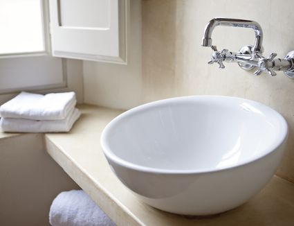 Five Ways To Fix A Slow Sink Drain - Bathroom sink drains slowly not getting air