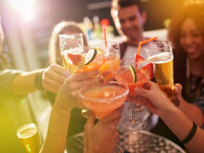 Everything You Should Know to Host a Flawless Cocktail Party