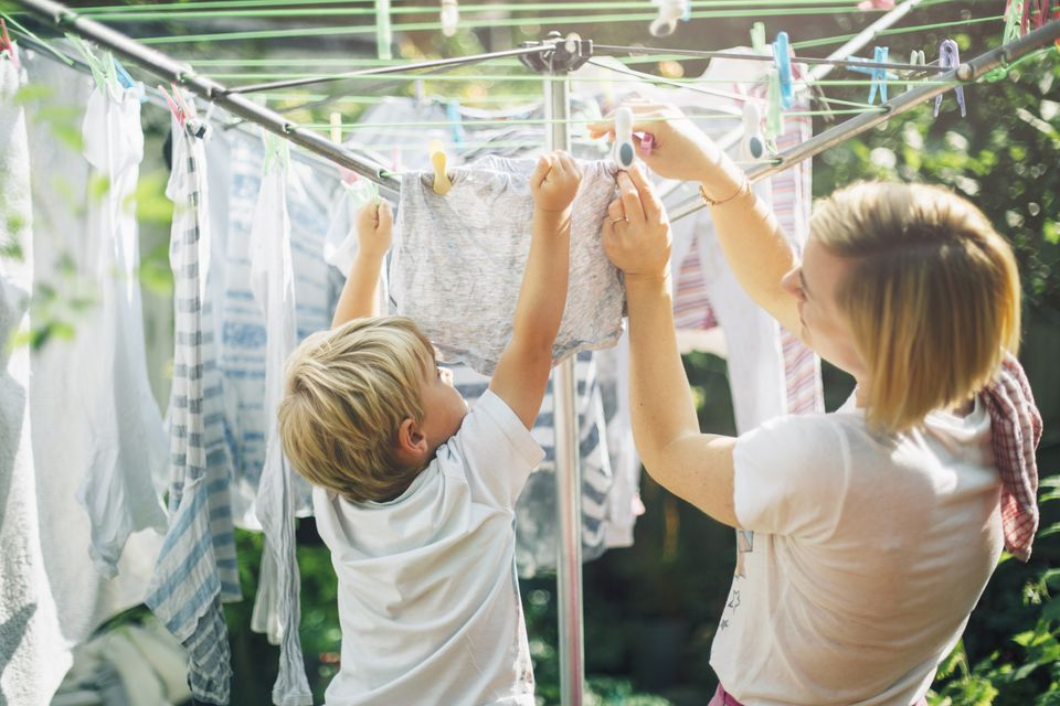 10 Reasons to Use a Clothesline to Dry Clothes