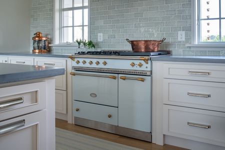 16 Striking Kitchens With Concrete Countertops