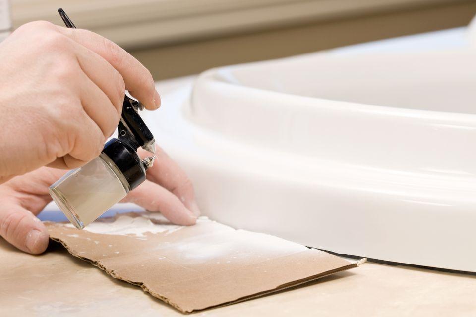Bathtub Chip Repair Painting with an Airbrush