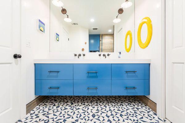 Blue bathroom for teen boys