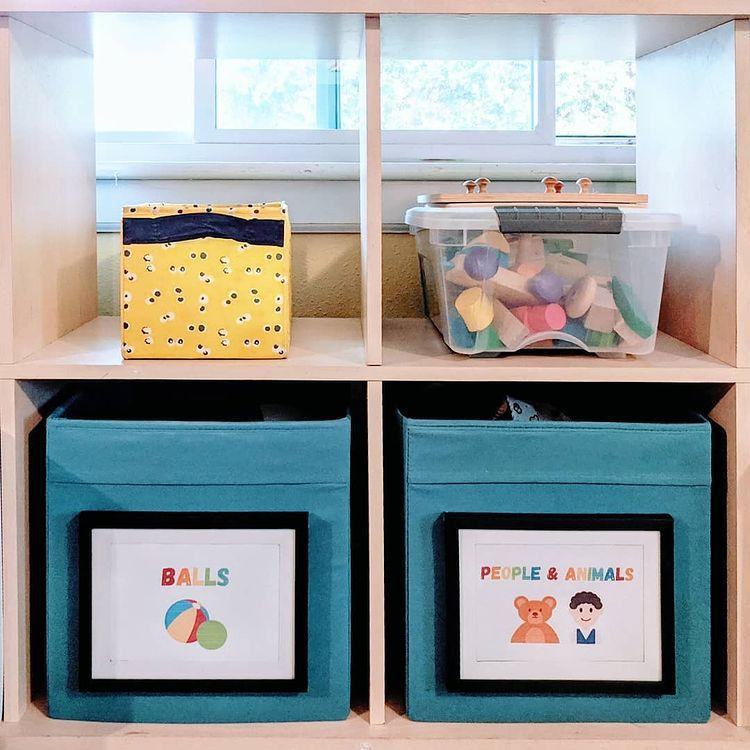 Cubby holes storage
