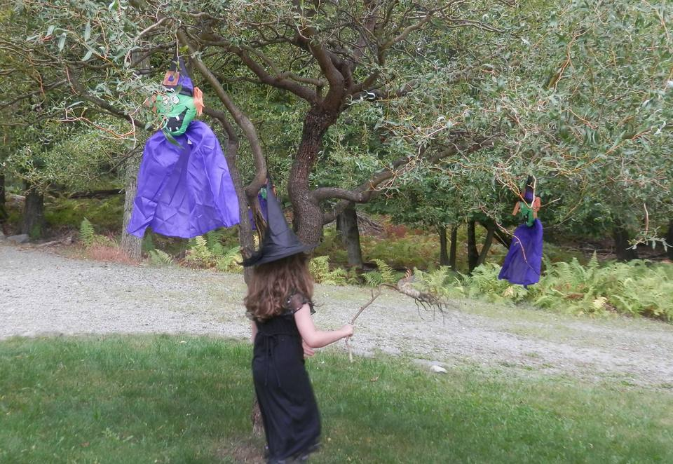 Witch party games for kids