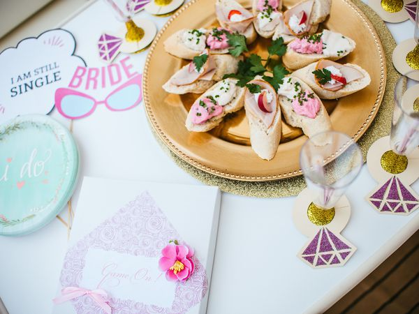 bride to be table decoration