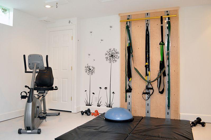 A crossfit home gym
