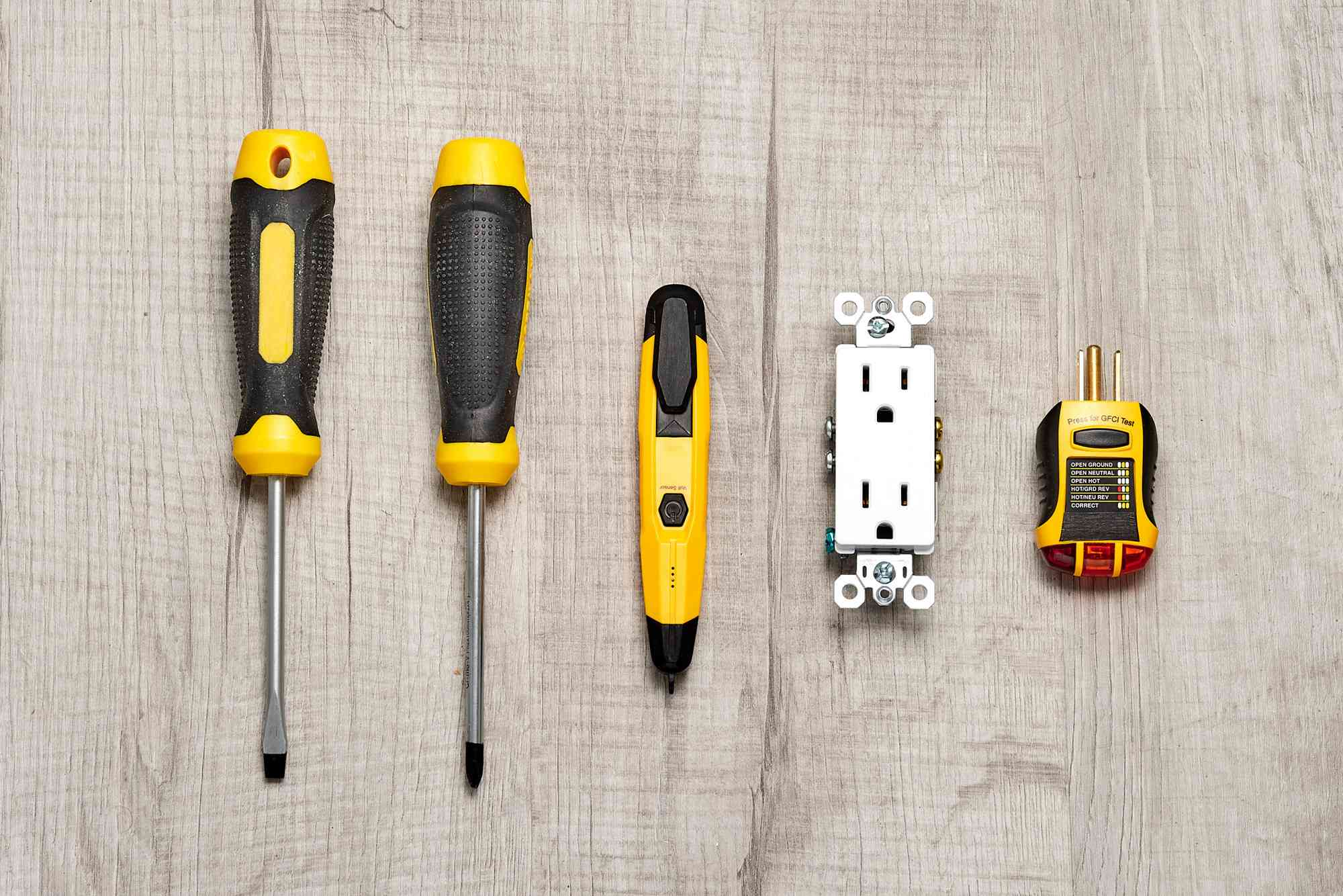 Materials and tools to fix an electrical outlet problems by yourself