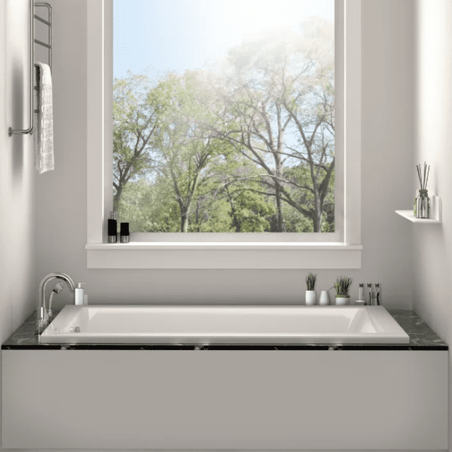 The 8 Best Small Bathtubs Of 2021