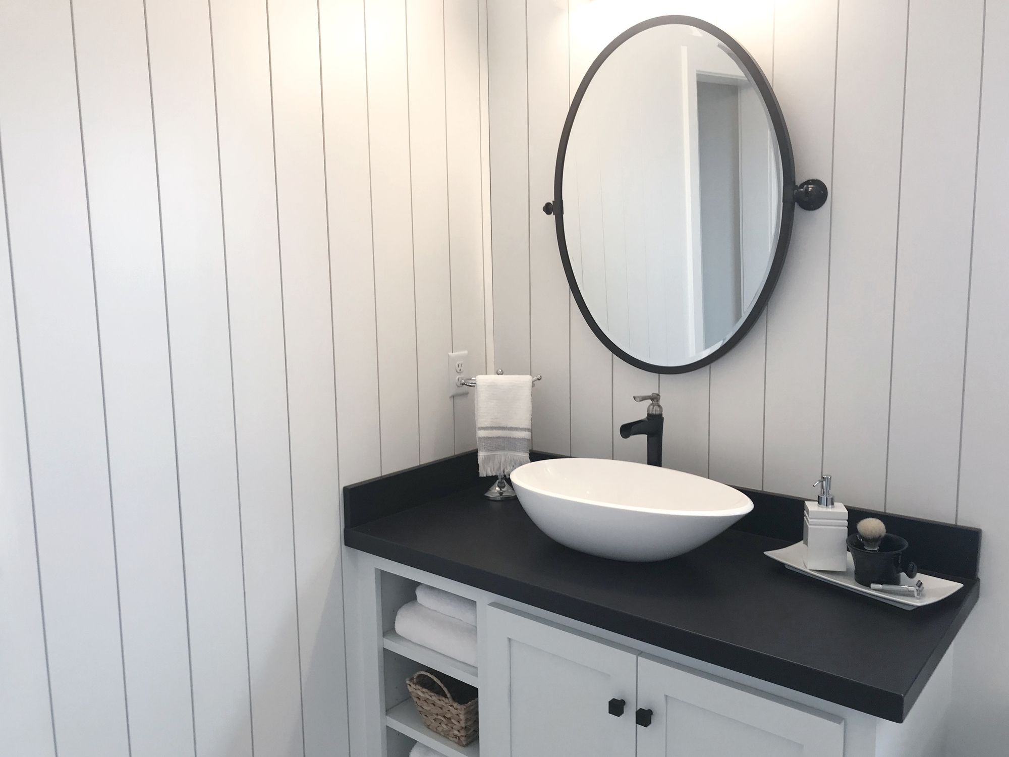 5 Online Sources For Bathroom Vanities
