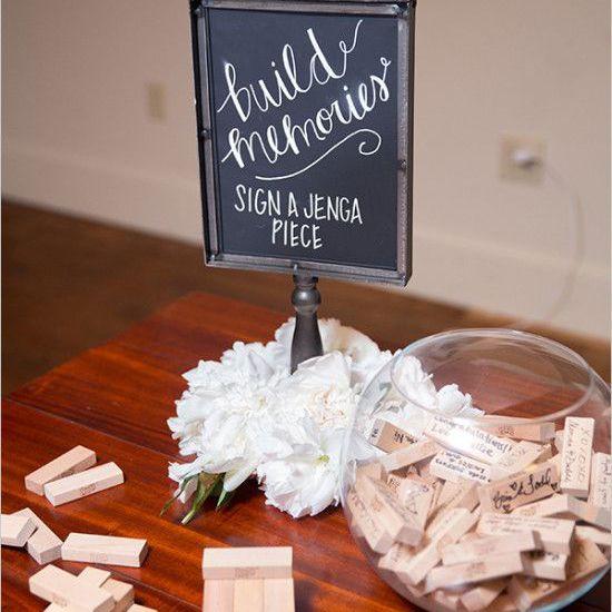 Recuerdos de boda, piezas de Jenga , globos con follaje