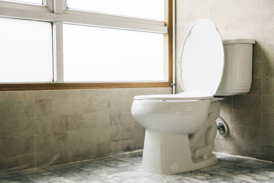Awe Inspiring 11 Features To Avoid When Buying A New Toilet Pdpeps Interior Chair Design Pdpepsorg