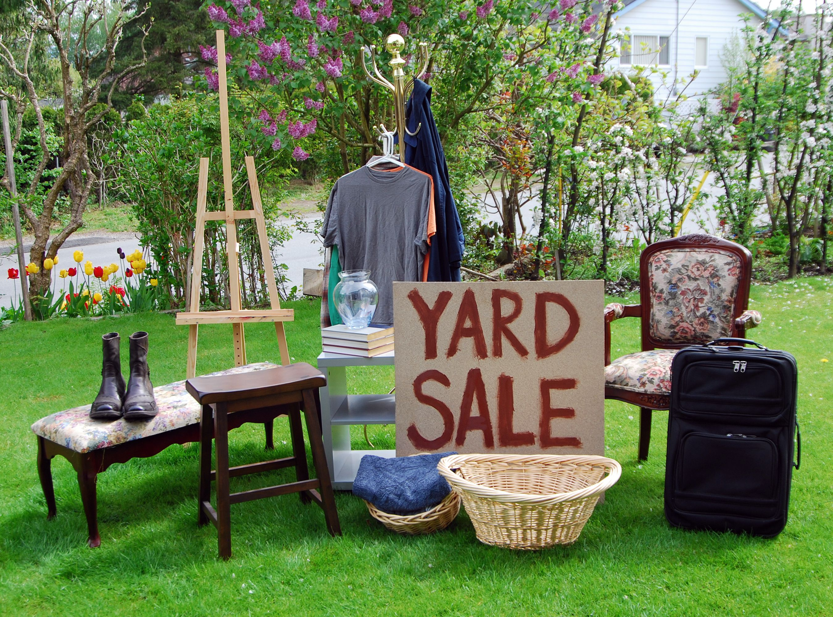 3 Garage Sale Tips and Tricks That Will Make You Money