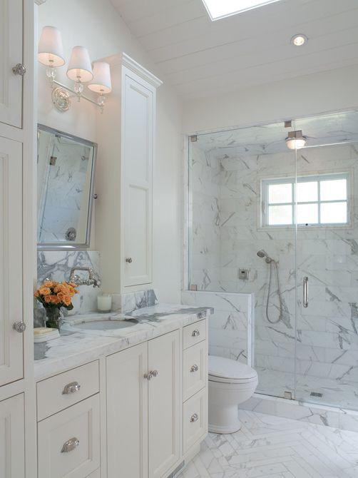 baño en el ático de mármol