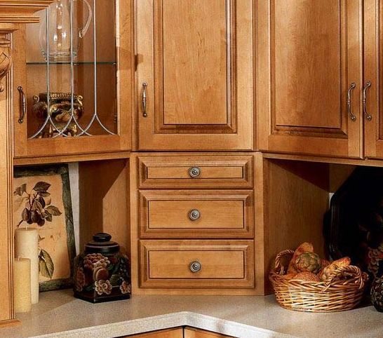 Drawer corner pull out