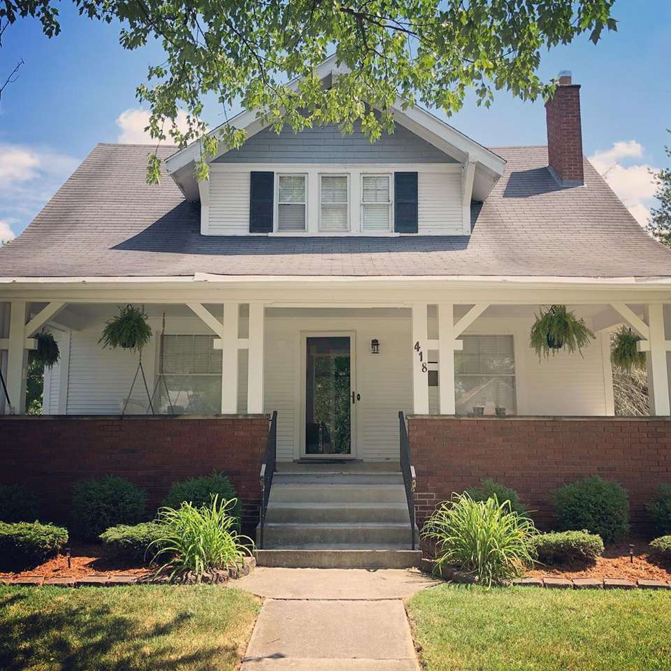 Exterior Paint Ideas For Older Homes: 12 Craftsman House Colors