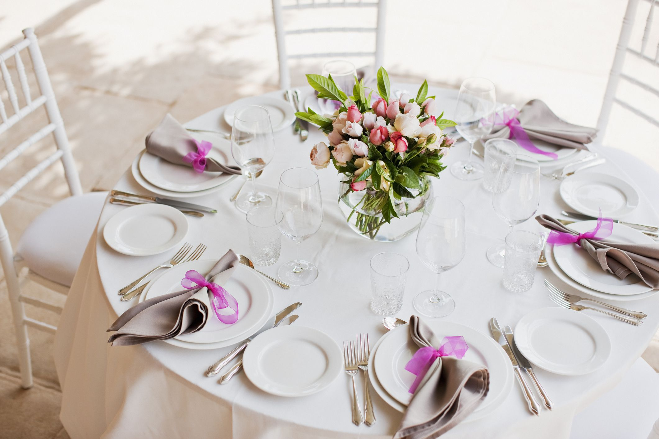 Ideas for Inexpensive Wedding Flowers and Centerpieces