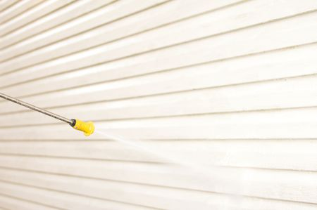 How to Pressure Wash Your House Before Painting