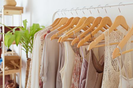 ab26ee1a06e How to Store Summer Clothes