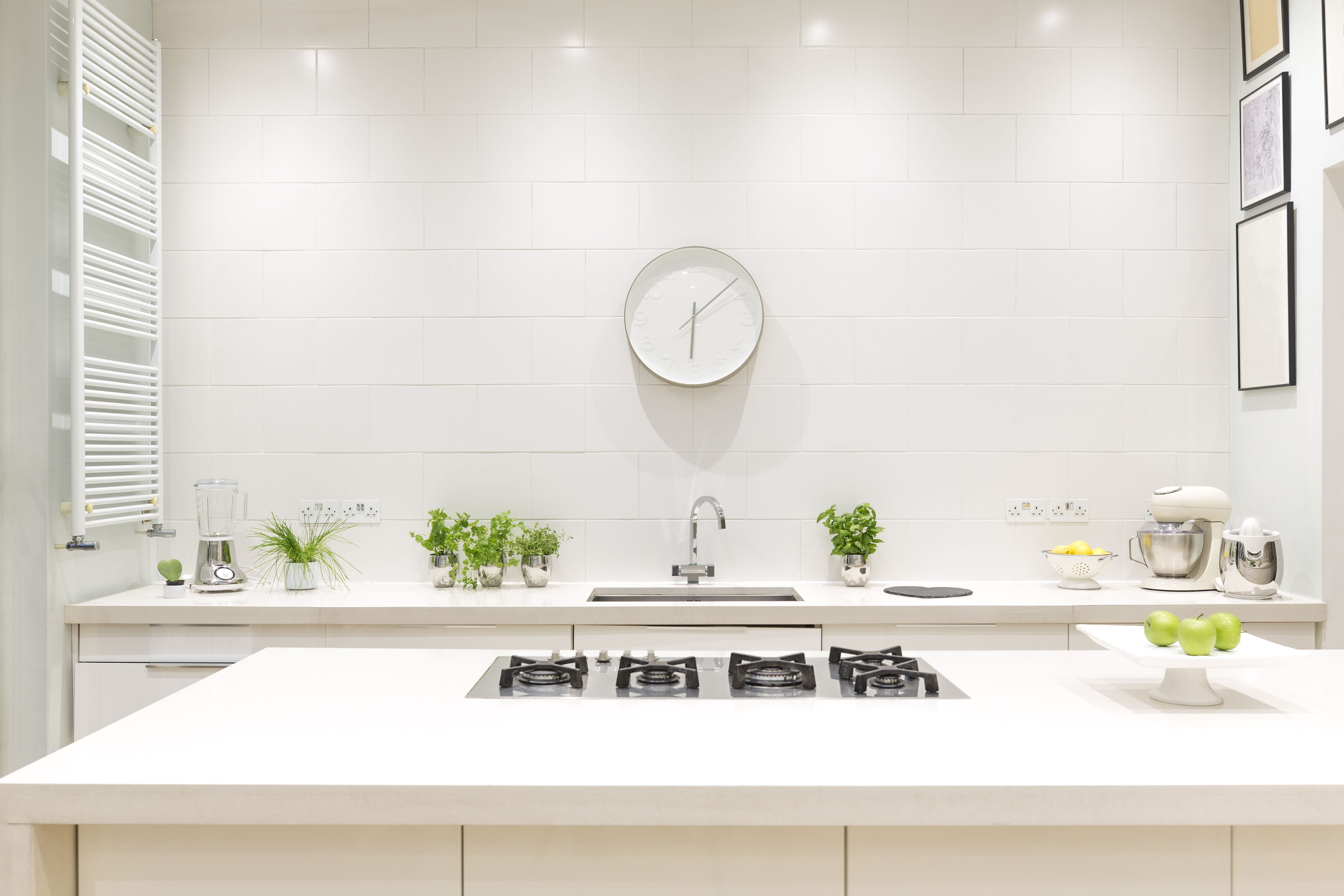 9 Feng Shui Kitchen Tips: How To Choose Your Kitchen's Best Feng Shui Colors