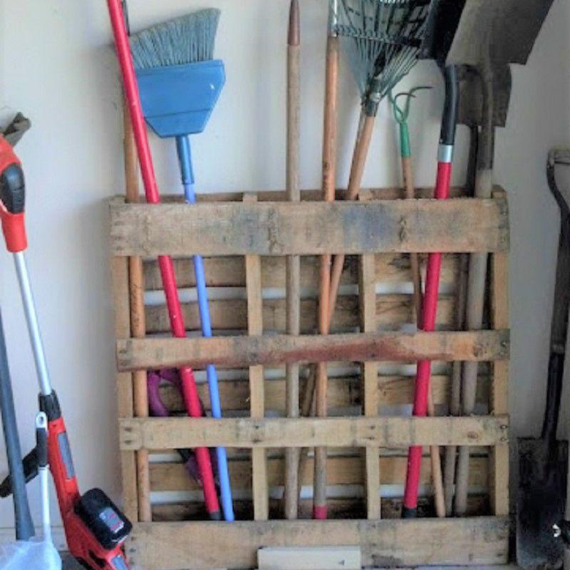 Wood Pallet Garden Tools Rack