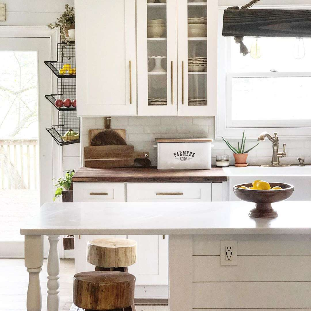 Kitchen with farmhouse style