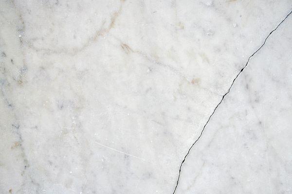 Cracked white marble II
