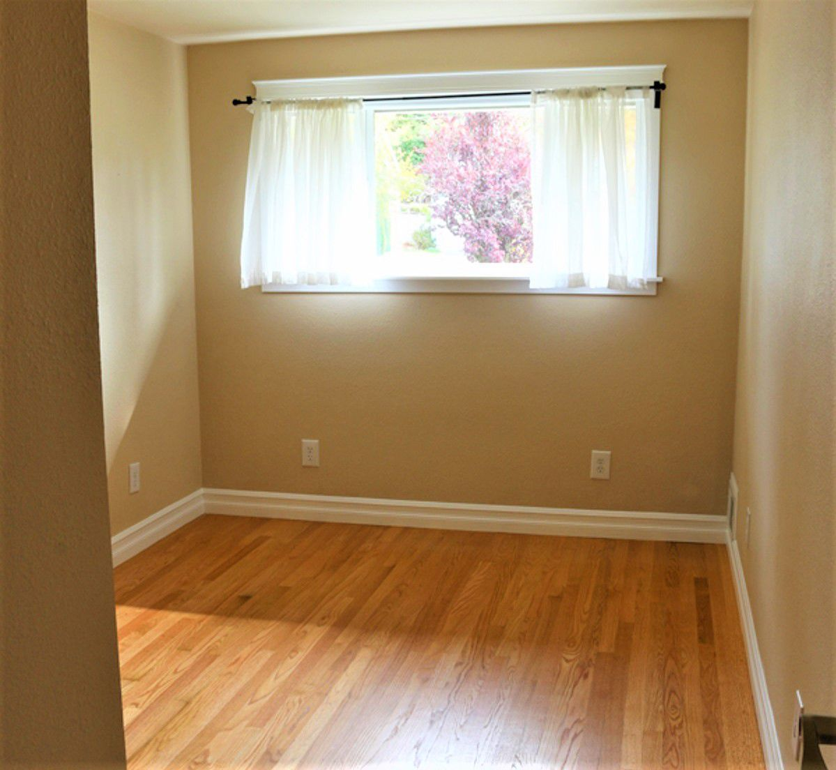 Cambio de imagen de dormitorio pequeño antes