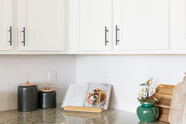 minimalist countertop decor