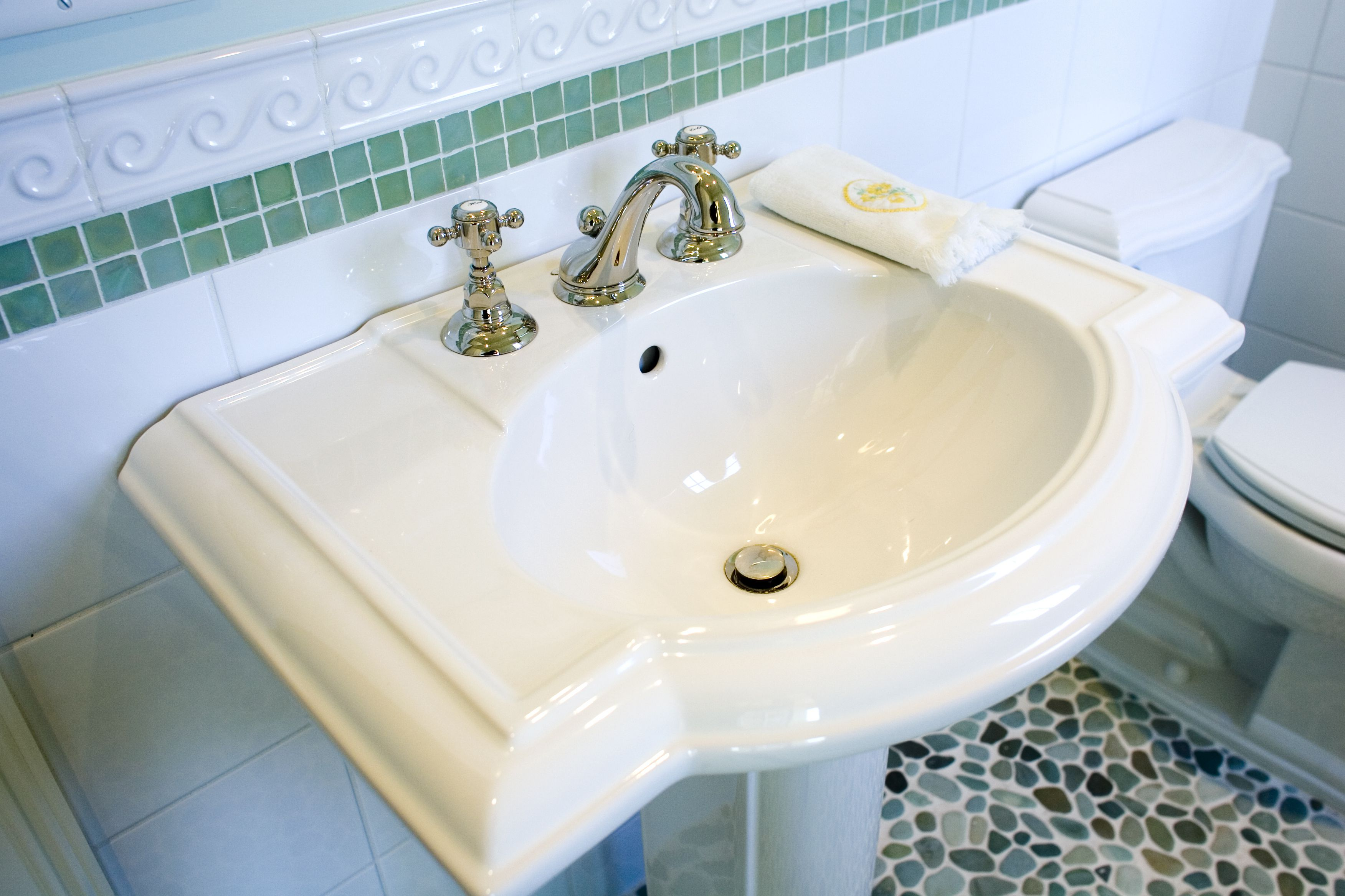 What Should You Know Before Buying A Pedestal Sink