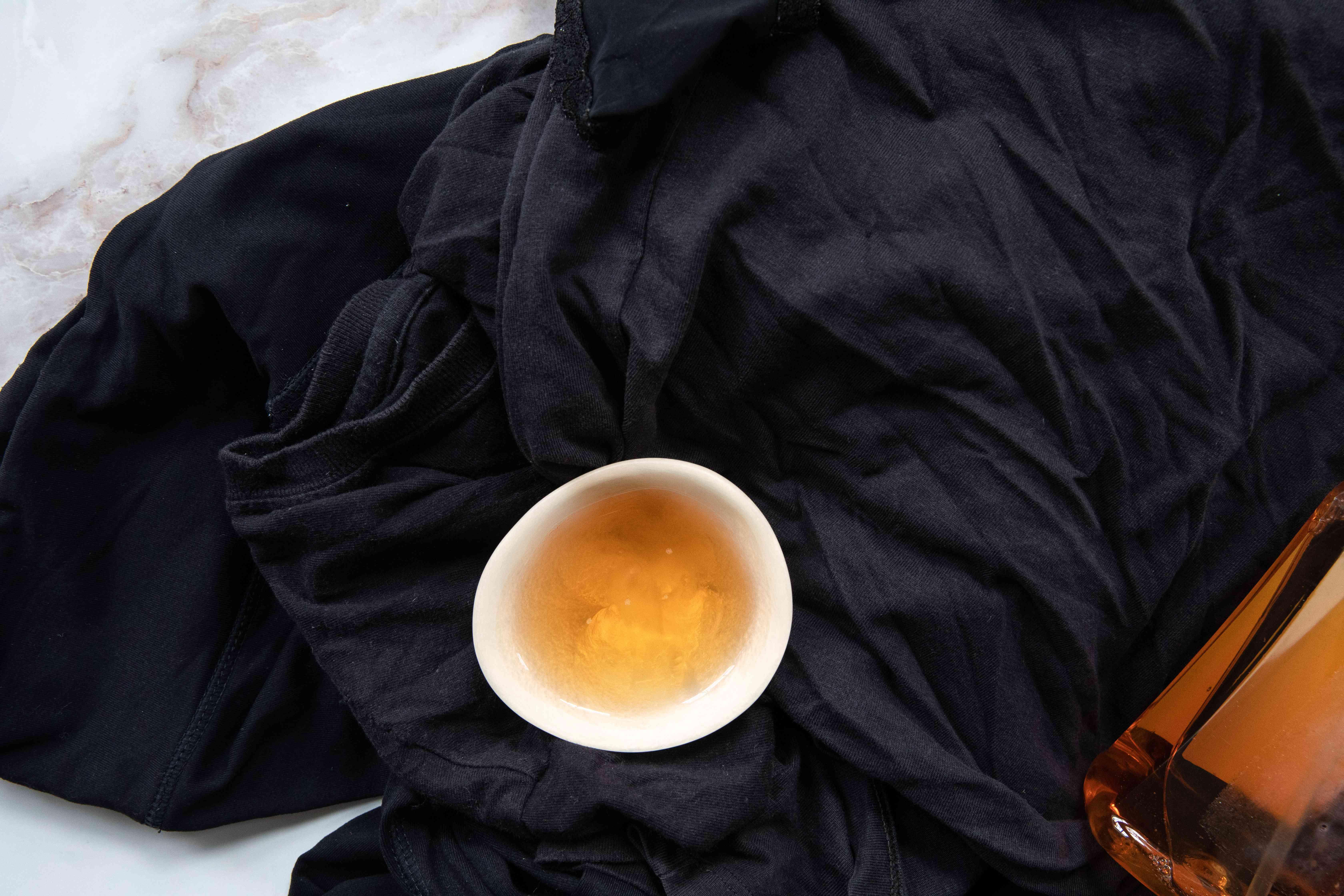 detergent for dark clothing