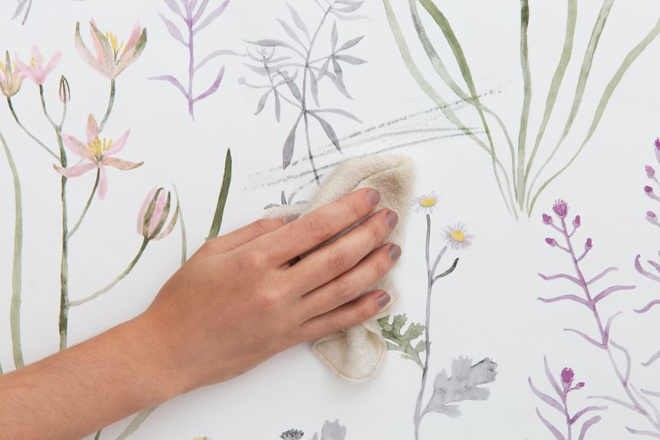 removing scuff marks from wallpaper