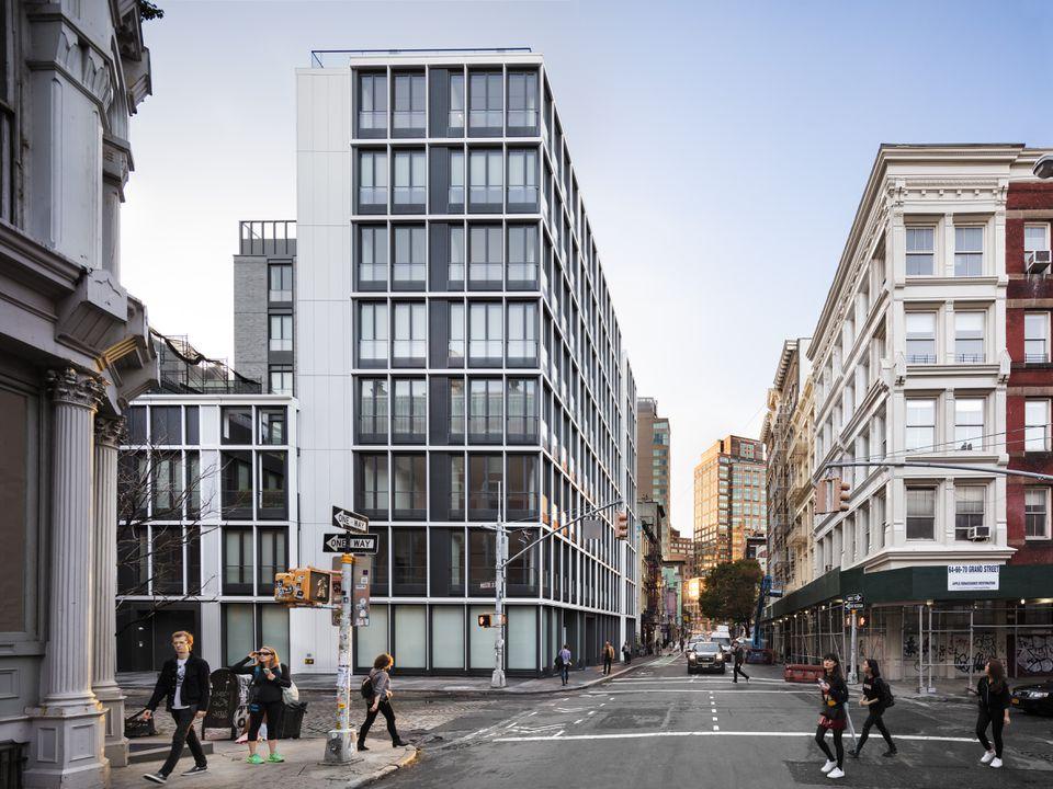 27 Wooster Street, New York, United States. Architect: Kohn Pedersen Fox Associates (KPF), 2016.