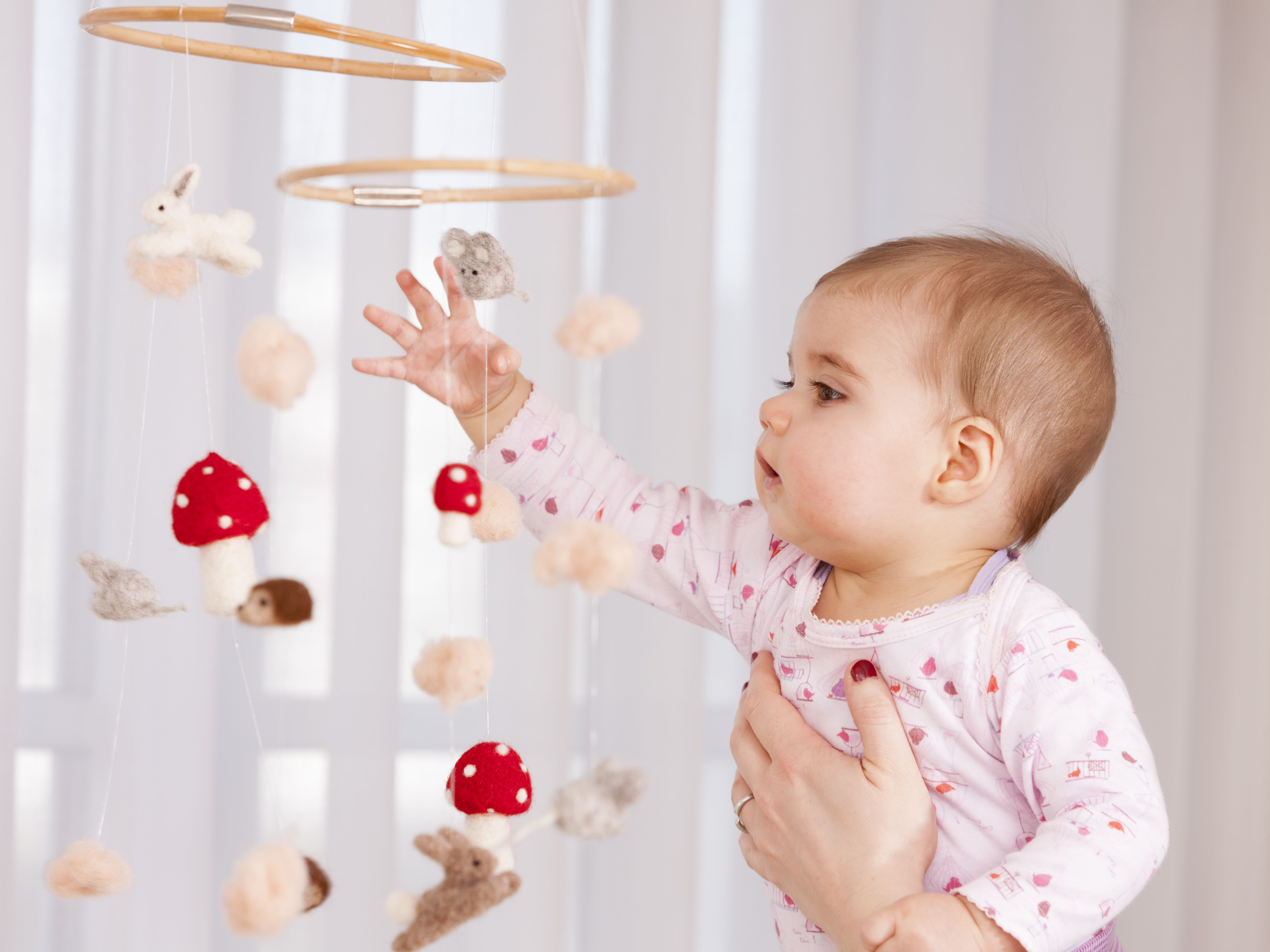 5 Important Safety Tips For Baby Mobiles