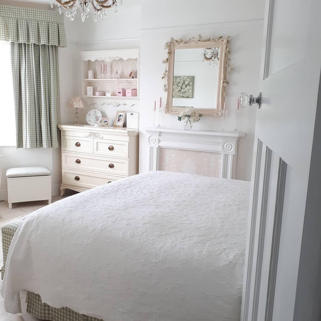 white comforter with texture