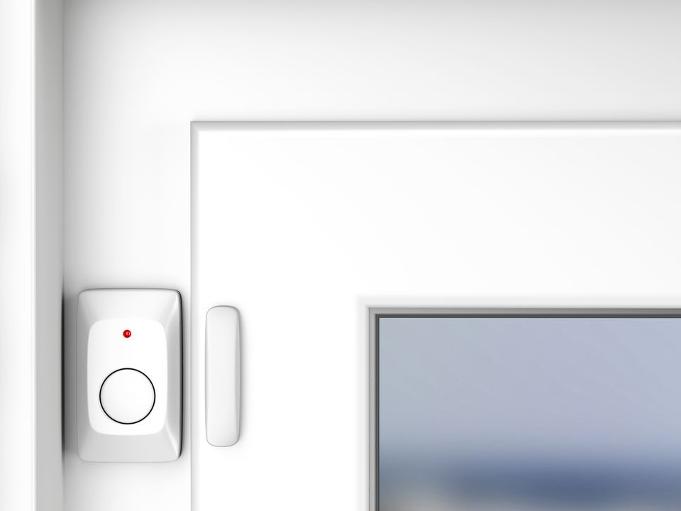 Magnetic alarm sensor