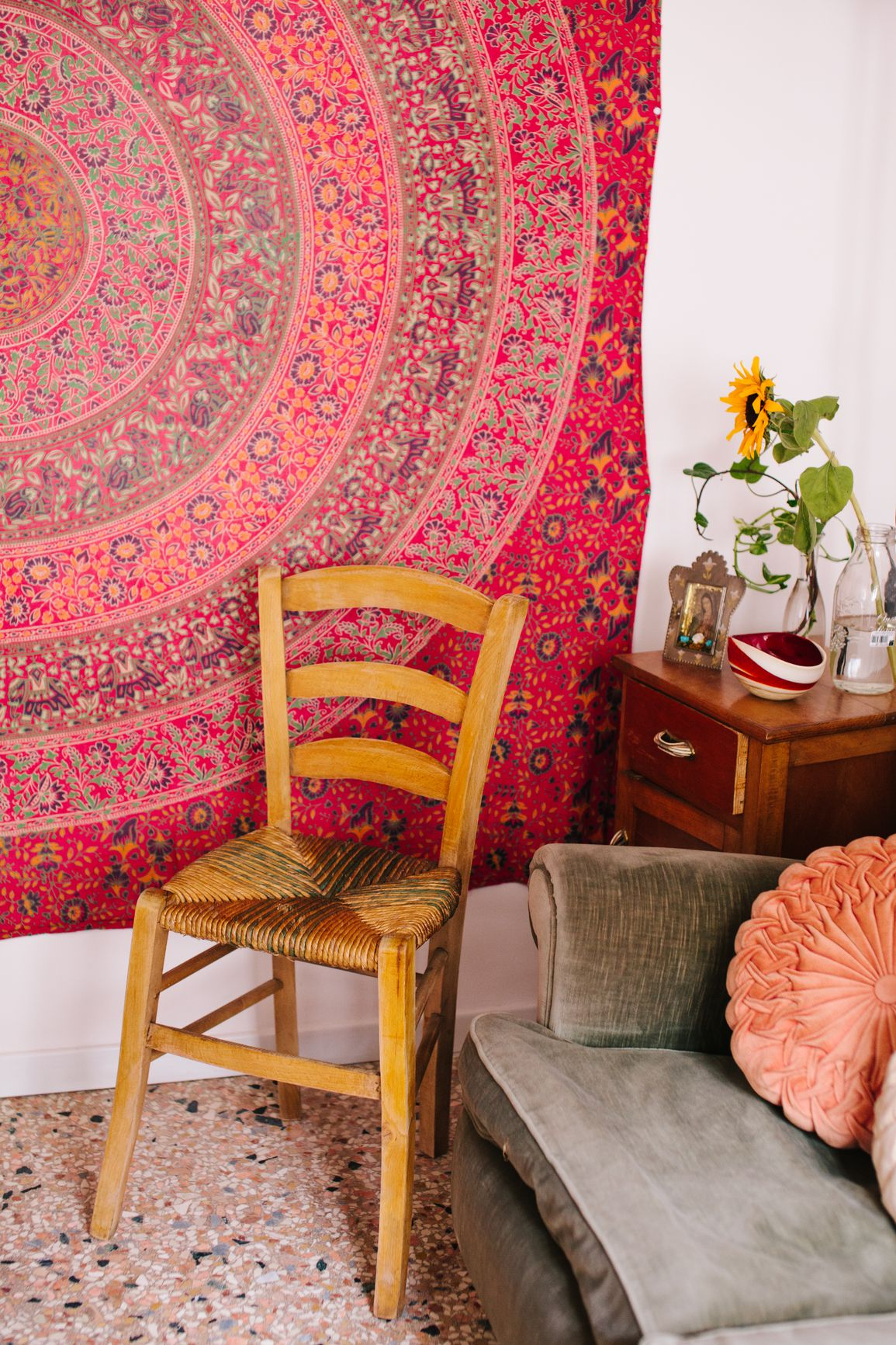 How To Decorate And Add Color To Your Walls Without Painting