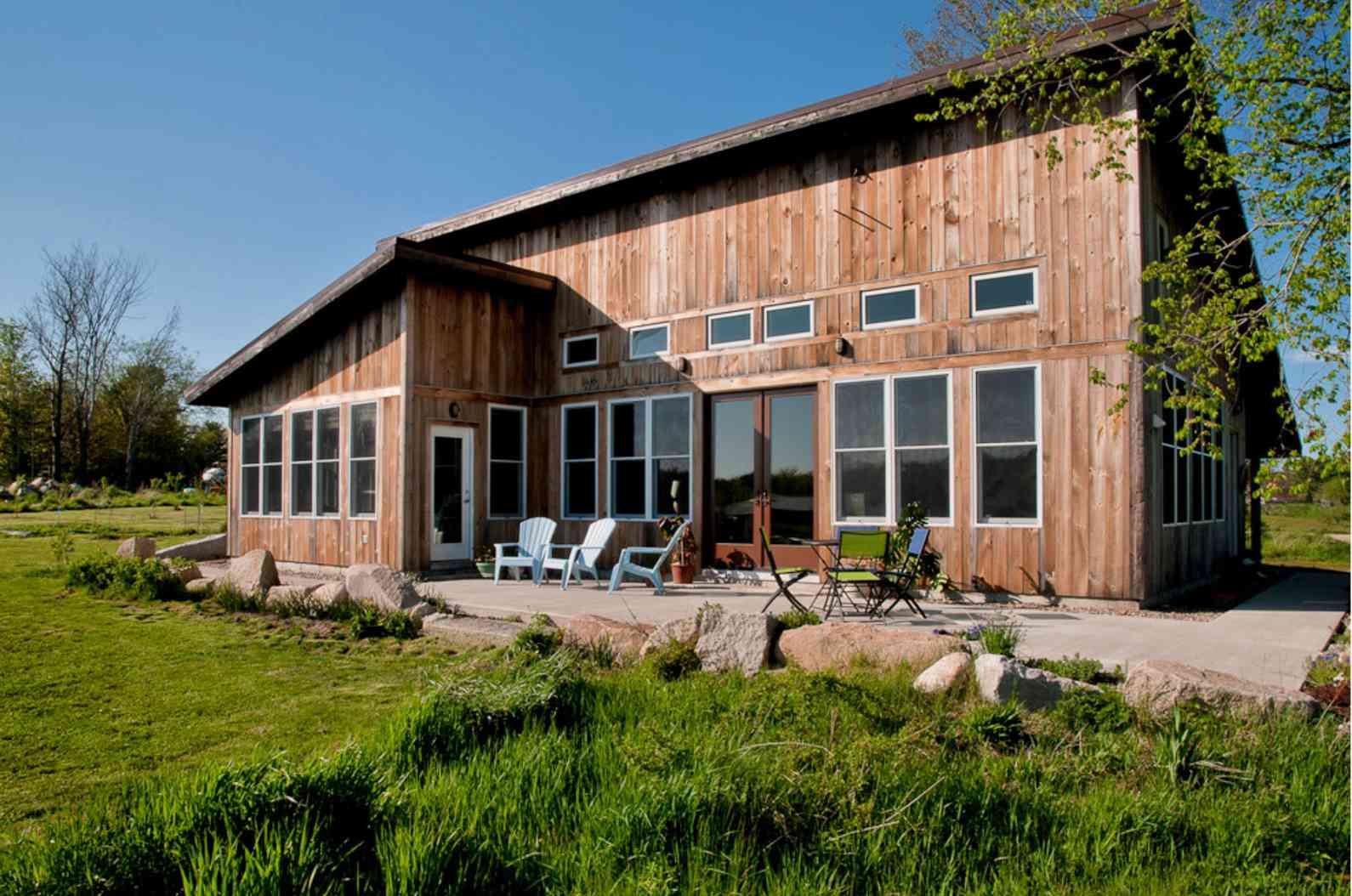raw pine log home