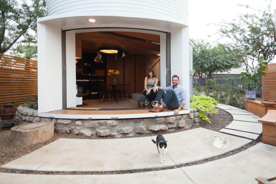 Grain-silo-home-exterior-smallspace.about.com.jpg
