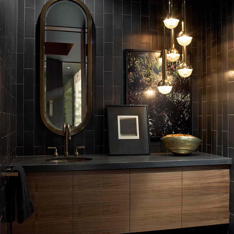 14 Beautiful Black Bathrooms